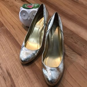 🌸2/$30 JCrew gold foil pumps